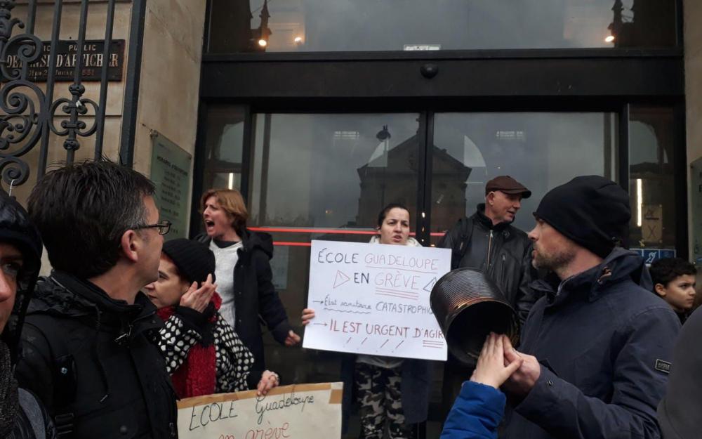 École secondaire publique Guadeloup en grève!!